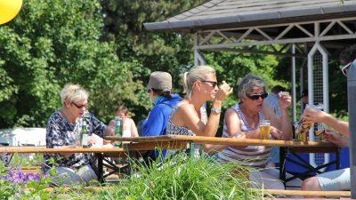 Besucher des enera Friesenfests