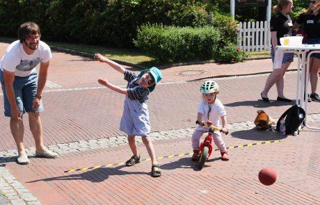 Kinder beim enera Friesenfest
